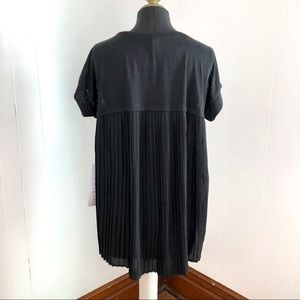 NWT Lumiere Krista Pleated Back T-Shirt Size Small